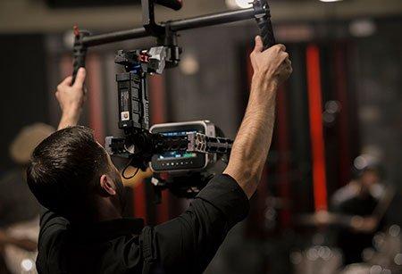Видеосъемка профессиональным кинооборудованием